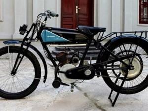 Dàn xe cổ đầu tiên tại Việt Nam vào thời vua Bảo Đại