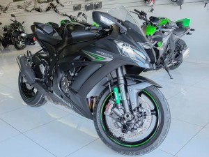 Bộ 3 siêu môtô mới của Kawasaki công bố giá bán chính thức ở Việt Nam