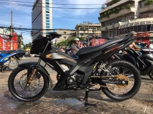 Ấn tượng chiếc Honda Sonic 150R độ đẹp với màu đen huyền ảo