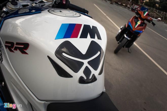 Cá mập BMW S1000RR lên tem M Series ấn tượng tại Sài Gòn