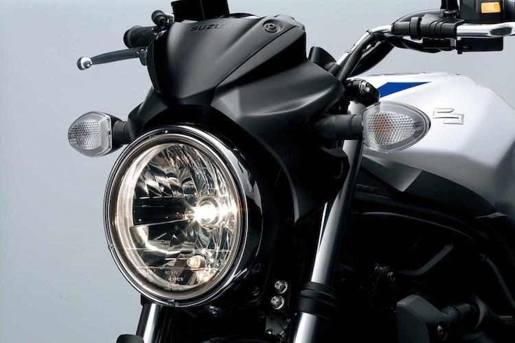 suzuki-ra-mat-naked-bike-sv650-chot-gia-220-trieu-hinh-3