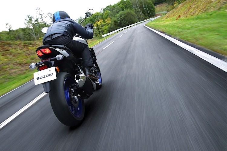 suzuki-ra-mat-naked-bike-sv650-chot-gia-220-trieu-hinh-9