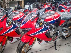 Siêu mô tô Honda CBR1000RR SP1 2017 đầu tiên cập bến Việt Nam