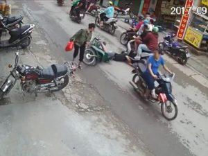 Mũ bảo hiểm sẽ bảo vệ tốt đầu bạn trong những tình huống tai nạn như thế này