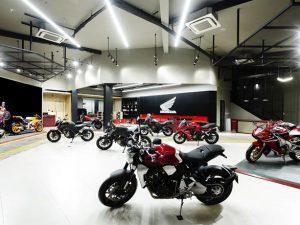 Chán xe máy phổ thông, các hãng lớn đặt cược vào mô tô phân khối lớn