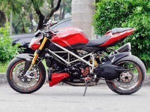 Ducati Streetfighter S độ full đồ chơi hiệu của biker Sài Gòn