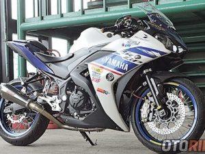 Môtô Yamaha R25 độ bánh căm hàng độc tại Indonesia