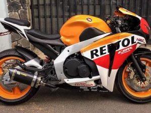 Honda Hornet 250 độ biến hình thành siêu môtô 1000cc cực khủng